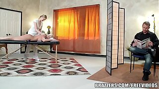 Brazzers - Leya Falcon gets fucked overwrought her masseuse